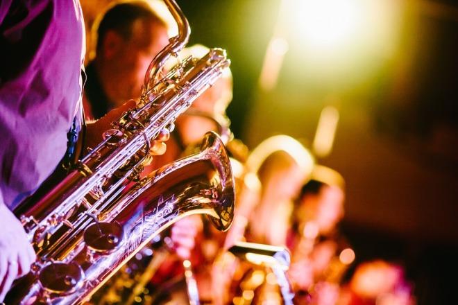Musik-Bank-Saxophone